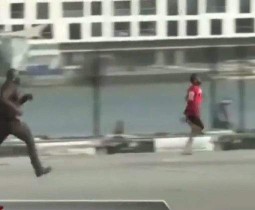 #OccupyLekkiTollgate: Protester runs for his life in a hot chase with Police (Video)