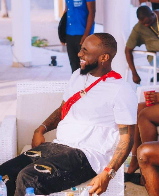 Davido reacts as his PA, Israel publicly apologizes to DJ Cuppy (Video)