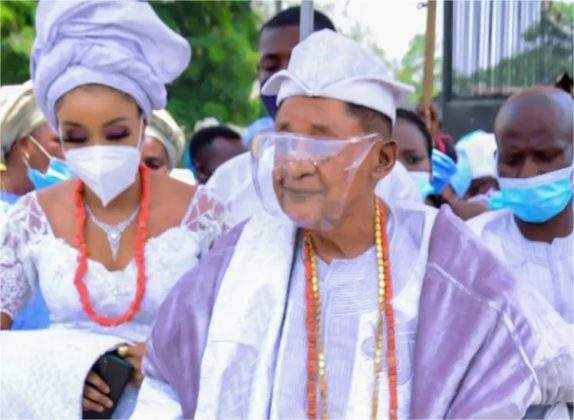 Alaafin of Oyo spotted in a coronation ceremony with new wife, Chioma