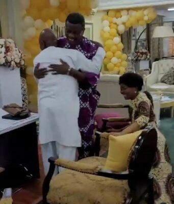 Nigerians React To Bishop Oyedepo's Wife Kneeling to Greet Pastor Adeboye (Video)