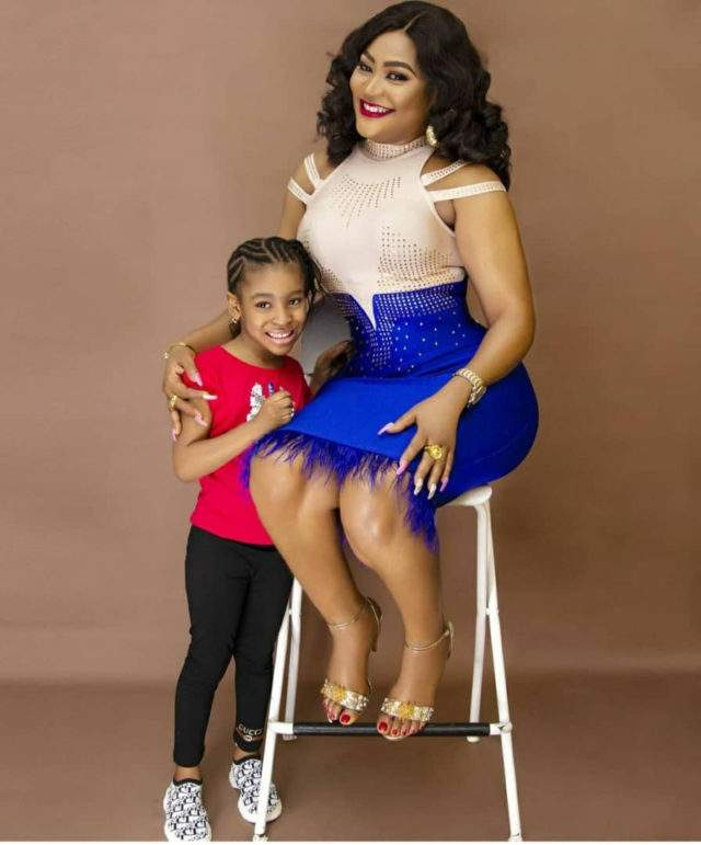 """Are you crazy?"" - Actress, Uche Elendu slams troll who accused her of lying about her daughter's age"