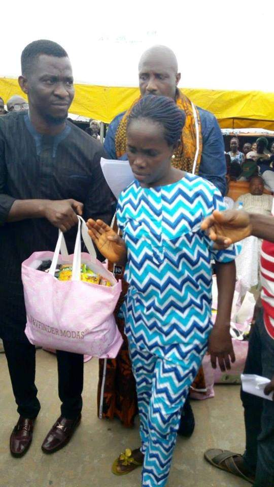 Politician Gifts Villagers Indomie Maggi Cubes But They Look Unhappy GISTREELnews 4