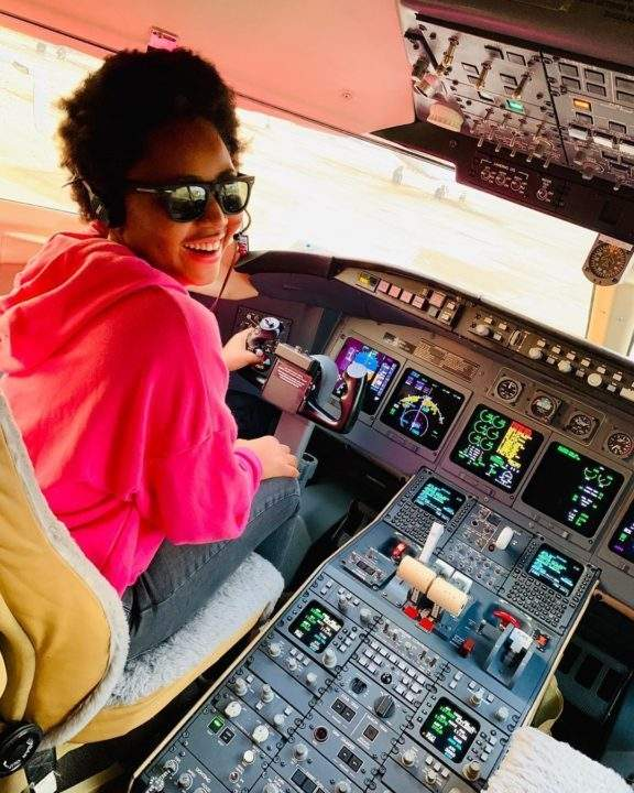Regina Daniels congratulates husband as he acquires a private jet 4