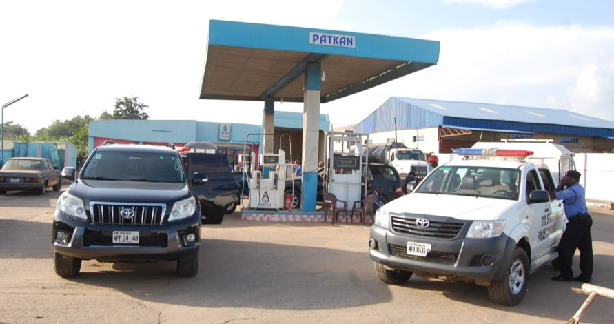 PIC 6 POLICE ARREST FUEL TANKER HIJACKERS