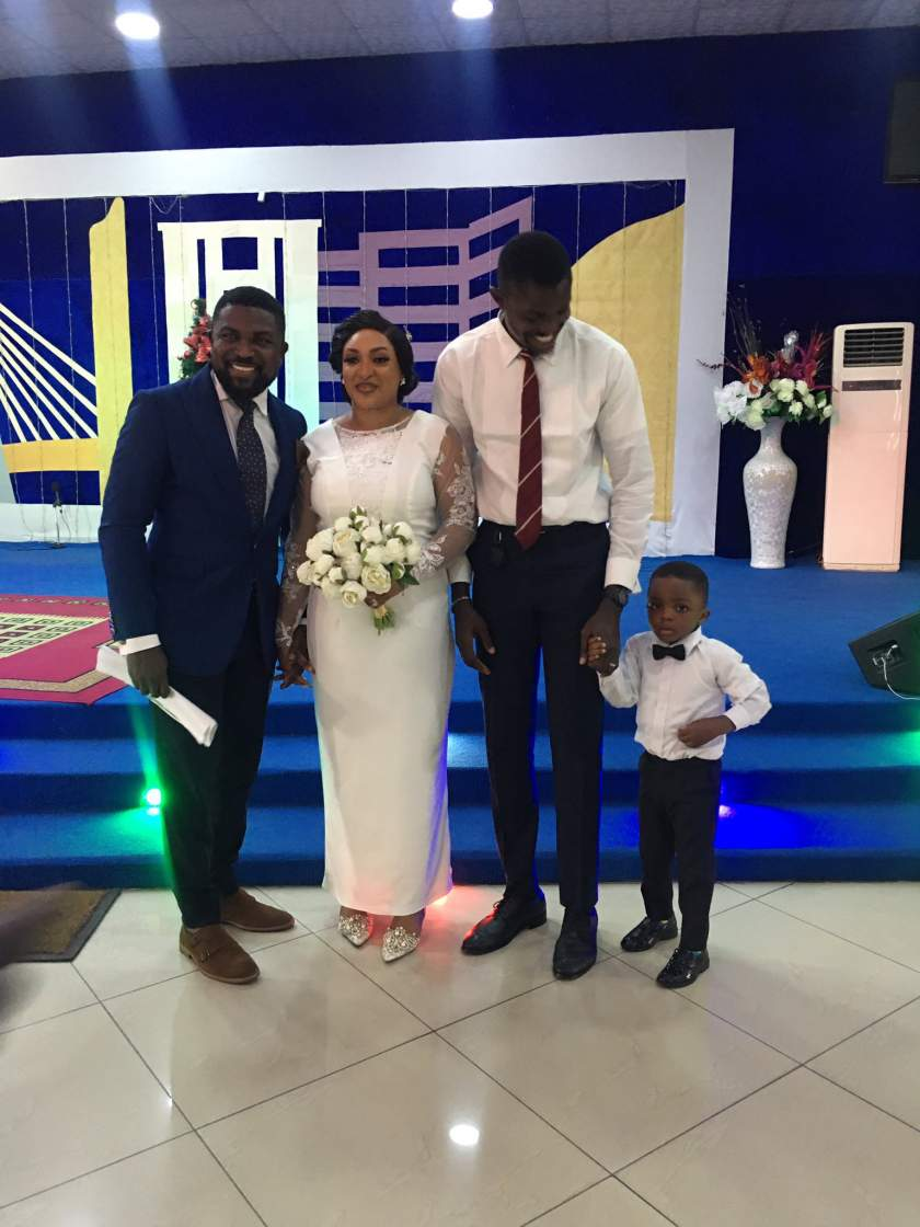 Nigerian couple holds their wedding reception with 7 guests under one canopy at a backyard (photos)