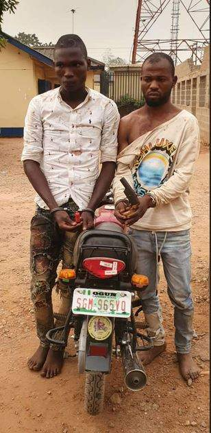 Police Arrest Two Ex-convicts For Alleged Armed-Robbery In Ogun (Photo)
