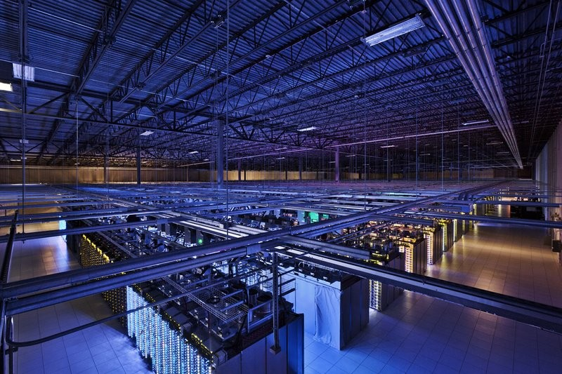 Google's Data Center Uses AI For Its Cooling System