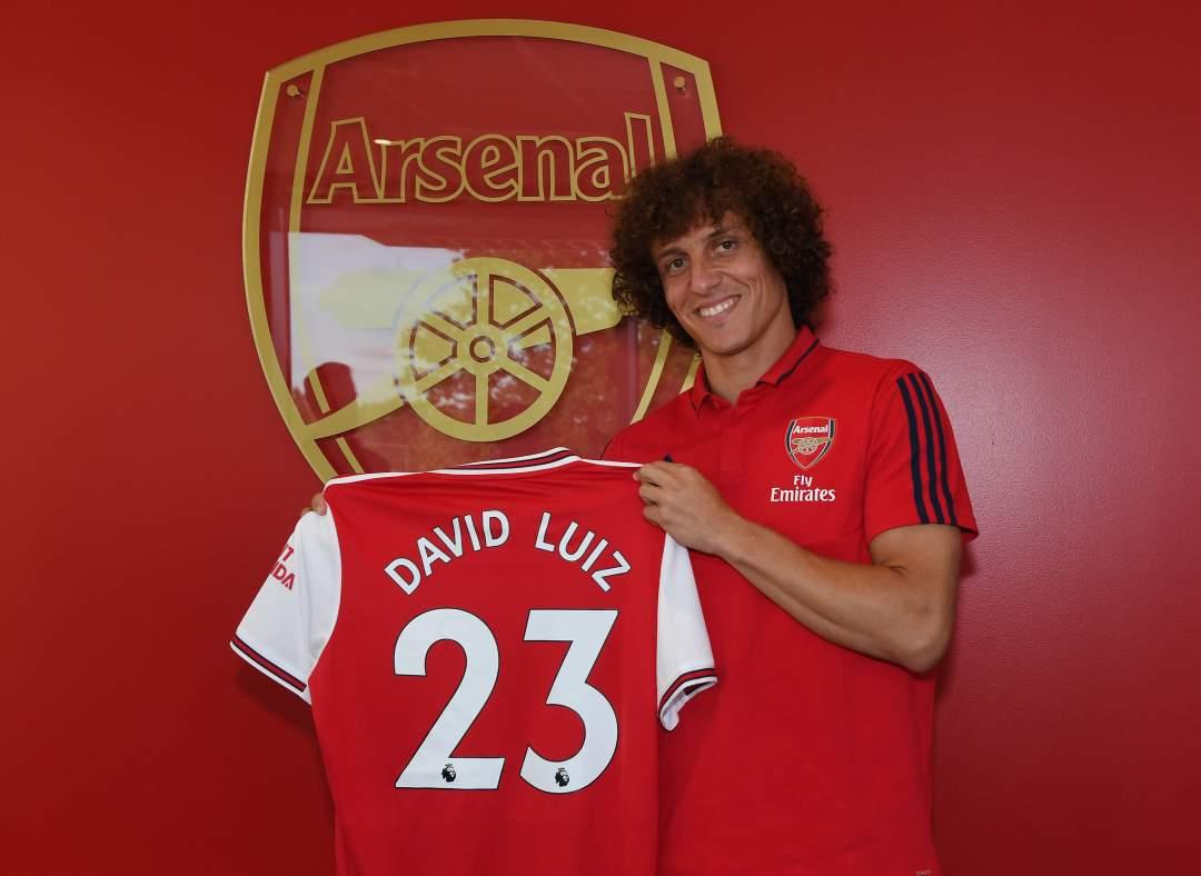 David Luiz Arsenal Holding Shirt