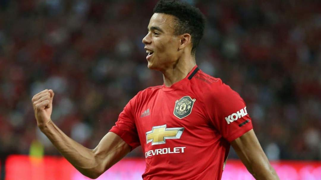Mason signs long term contract with Man Utd