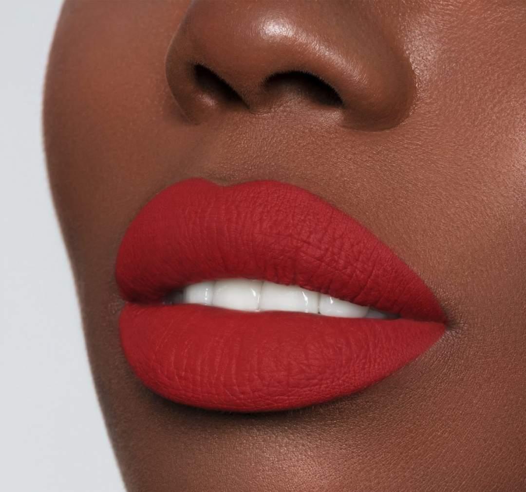 Mega Matte Dark Red Lips. Photo Pinterest 12