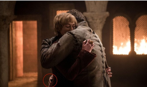 Jamie Lannister And Cersei Hugging Photo Twitter