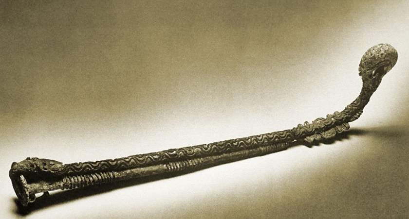 Igbo Leaded Bronze Scabbard Found In The Uncovered Shrine At Isaiah Anozie%E2%80%99s Compound In Igbo Ukwu Made Around The 9th Century Twitter Ukpuru