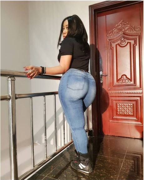Nigerian Actress, Moyo Lawal Drops Banging Picture To Reply Critics (Photo)