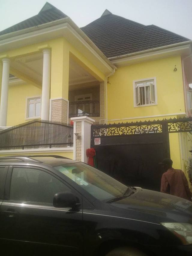Tope Alabi House Dedication 014?resize=640%2C853