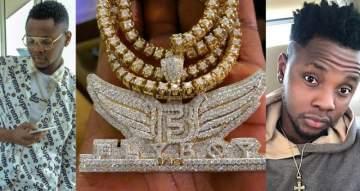 Singer, Kiss Daniel flaunts his new diamond encrusted chain worth N14Million (Photos)