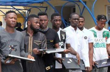 EFCC arrests 11 suspected internet fraudsters in Lagos, recovers seven exotic cars (Photo)
