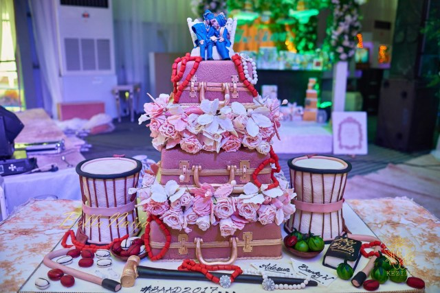 Banky W And Adesua Etomi BAAD2017 Wedding BellaNaija Weddings 93?resize=640%2C427