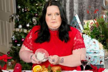 Daughter Plans To Eat Her Mother On Xmas Day By Adding Her Ashes In Her Food.