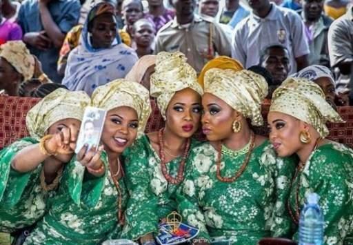 Alaafin Of Oyo Acrobat1