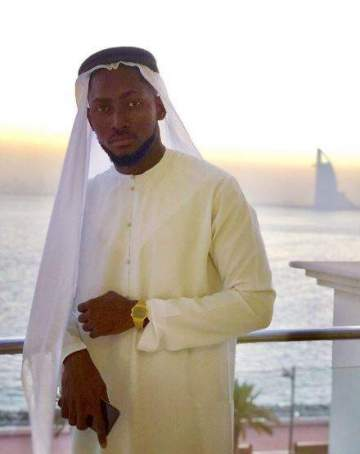 Miracle Storms Dubai Rocking Arabian Attire (Photos)