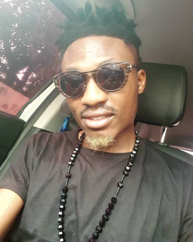 Efe tries new look... But his fans aren't feeling it
