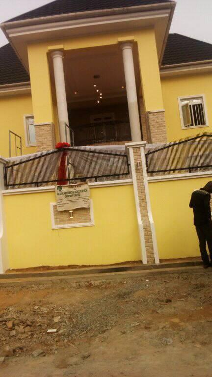 Tope Alabi House Dedication 024?resize=432%2C768