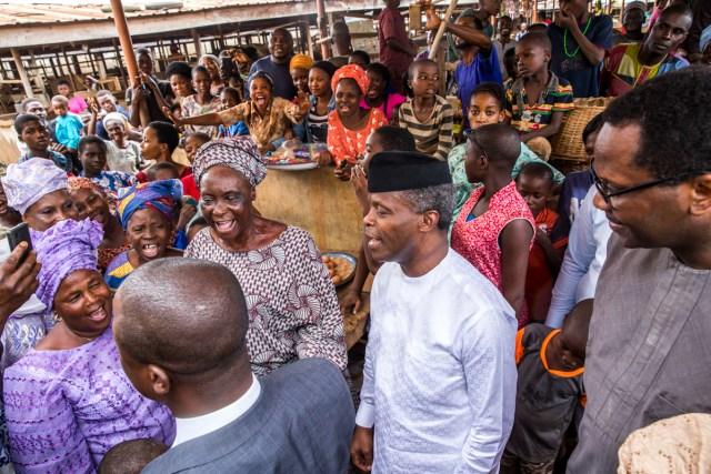 Vice President Yemi Osinbajo Ikenne Market 1?resize=640%2C427