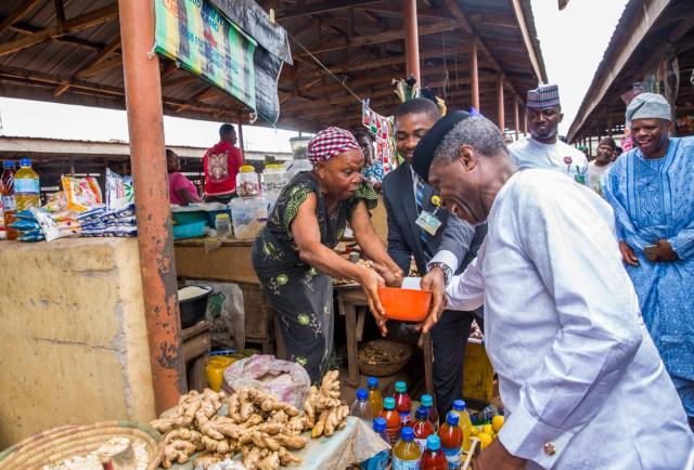 Vice President Yemi Osinbajo Ikenne Market Trader?resize=640%2C434
