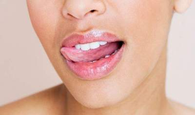 4 Simple And Natural Remedies For Chapped Lips