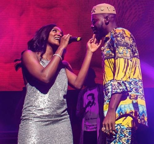 Adekunle Gold And Simi Cuddle On Stage At His Sold Out Concert In London Video Lailasnews 2