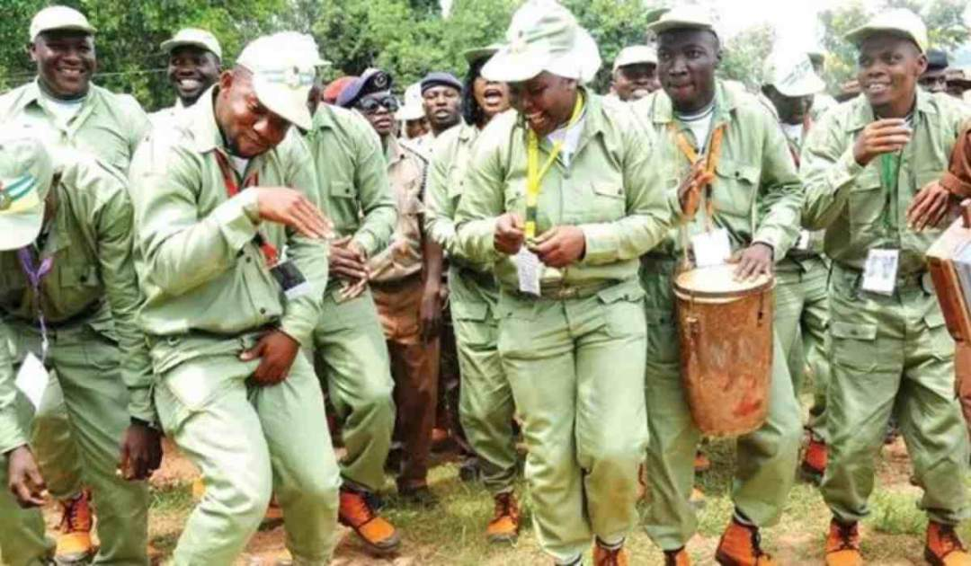 NYSC: Corpers celebrate as they receive their new N33,000 allowance