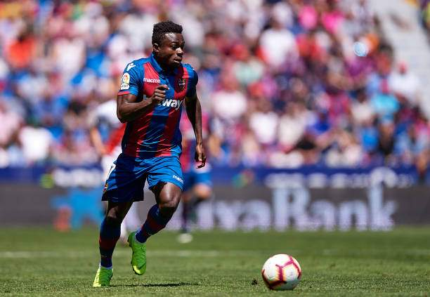 Moses Simon Of Levante Ud Runs With The Ball During The La Liga Match Picture Id1146899986?k=6&m=1146899986&s=&w=0&h=ayYA7uAvuctExqZZdGiEoOR_trfwLam_zcI0PS4NK7g=