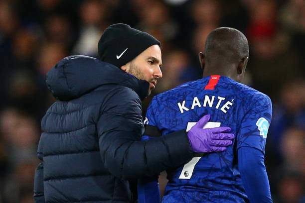 Ngolo Kante Of Chelsea Goes Off Injured During The Premier League Picture Id1201537542?k=6&m=1201537542&s=&w=0&h=MUORy5SKjFCjIDGiJ5fux0I7kP3itDSqf3u ZZfZcus=