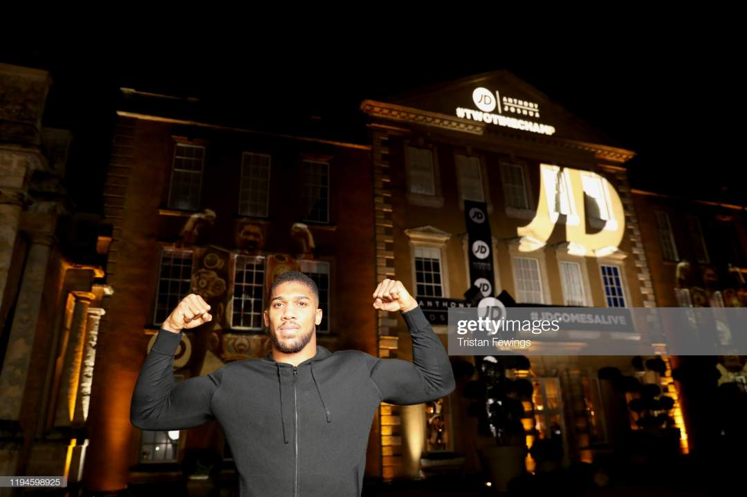 Anthony Joshua Attends Jd Comes Alive Jds Blockbuster Christmas Party Picture Id1194598925?s=28