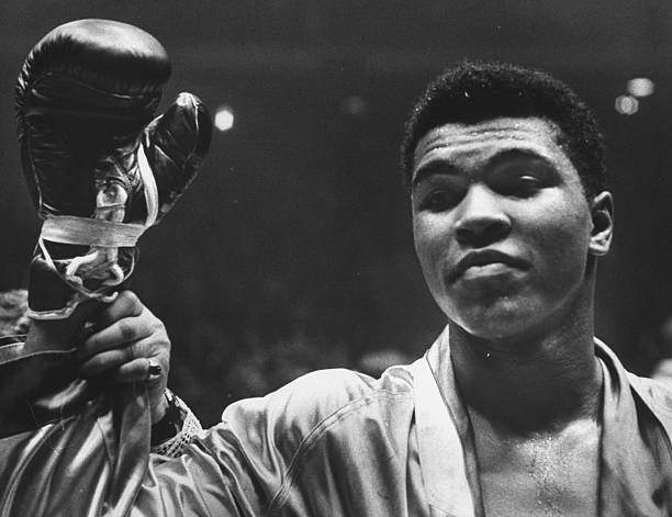 Cassius Clay After Defeating Doug Jones In Close Heavyweight Bout In Picture Id50546409?k=6&m=50546409&s=&w=0&h=a8k8_kkAvQlpY TRRpjwnBdjgdNxGXhgp9Rc0MF0xkw=