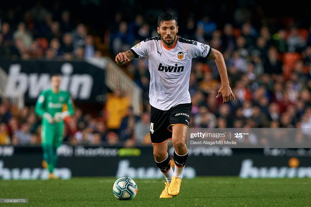 Ezequiel Garay Of Valencia Cf In Action During The Liga Match Between Picture Id1204385770?s=28