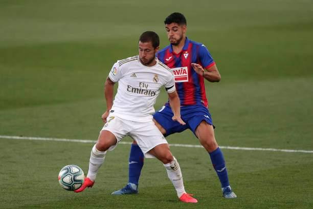 Eden Hazard Of Real Madrid Battles For Possession With Rafa Soares Of Picture Id1249615280?k=6&m=1249615280&s=&w=0&h=5537U_A18PXMc1tpRbiqD KbBnnLZ9SdTLIXKG3XavQ=