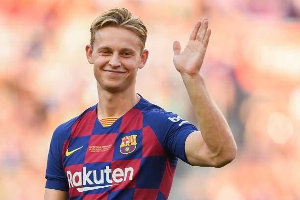 Frankie De Jong Of Fc Barcelona Waves To The Crowd Prior To The Joan Picture Id1166074757?k=6&m=1166074757&s=&w=0&h=CtupmS5_nQhkAgfQDAhH38myxF3YZZwIcgZkxVK18oU=