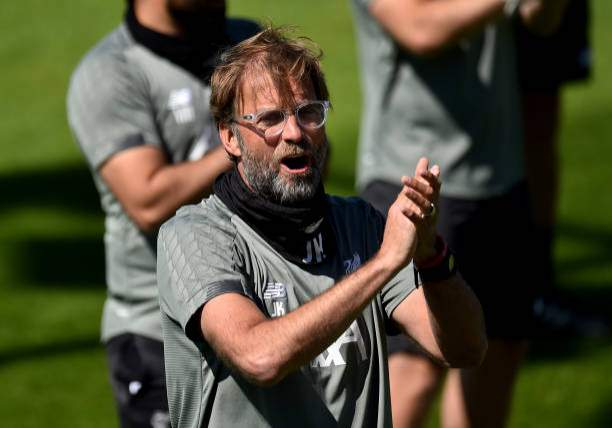 Jurgen Klopp Manager Of Liverpool Singing Happy Birthday To Former Picture Id1235008646?k=6&m=1235008646&s=&w=0&h=IYrjBDJ8 KcFW3ZNp7sT_txAvh8Dot4EV9luUxzzSTs=