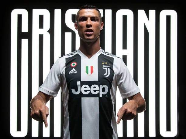 Juventus New Signing Cristiano Ronaldo Poses For A Portrait Shoot On Picture Id1000311406?k=6&m=1000311406&s=&w=0&h=bkYenta_NpSxzIl1UiVMd6ixBHpk0ACltSfuxW03QI8=