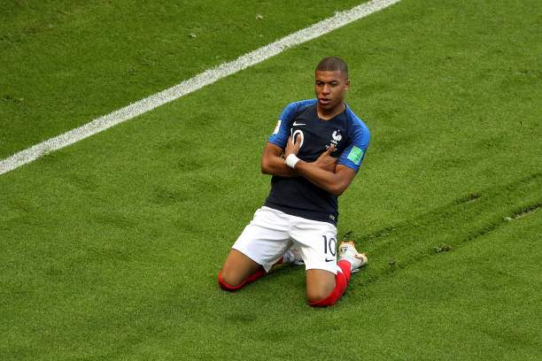 Kylian Mbappe Of France Celebrates After Scoring His Teams Third Goal Picture Id987922082?k=6&m=987922082&s=&w=0&h=t90AWB9QIVFdiwpiBxF4orNignVQfwjs1QIsV7yddyk=