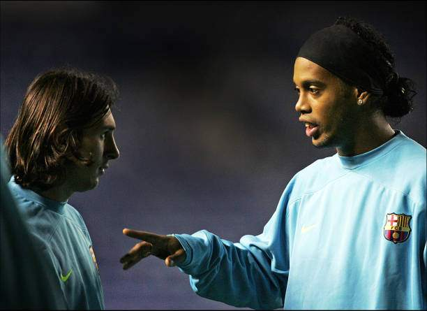 Lionel Messi And Ronaldinho Of Barcelona Are Seen During A Team At Picture Id1222972537?k=6&m=1222972537&s=&w=0&h=zBNTIvVLVFhp8ZJe_MoLwYvXejXiN8i 6OfGzYKQVPQ=