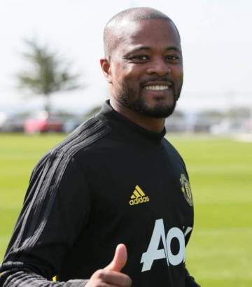 Trasnfer: Evra reveals he is in negotiations with Man Utd