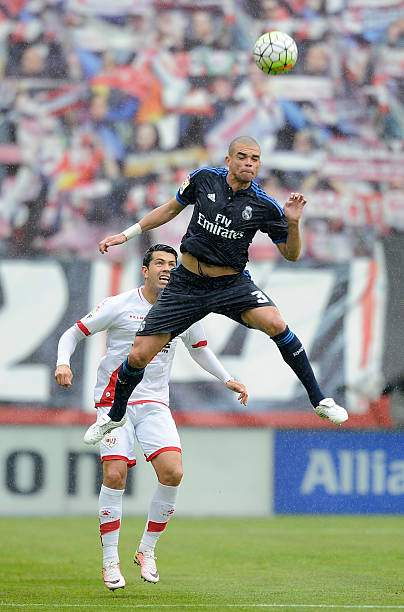Pepe Of Real Madrid Battles For The Ball Against Nicolas Ladislao Of Picture Id523522146?k=6&m=523522146&s=&w=0&h=gMMOlWDetbievullvl3ungaGbbotTo5vM2AYOW0n6r4=