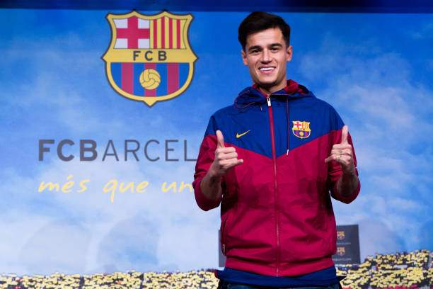 Philippe Coutinho Poses Prior To Signing His New Contract With Fc At Picture Id902282362?k=6&m=902282362&s=&w=0&h=zFbc5 AsIceKjb9AioFg6 WgkchZpgwmWqOGKv7O7ps=