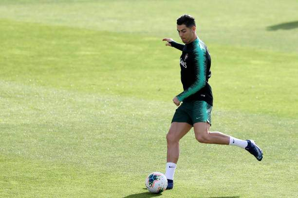 Portugals Forward Cristiano Ronaldo In Action During A Training At Picture Id1181881091?k=6&m=1181881091&s=&w=0&h=2EnmrsIpadtTfo8b2Jm0TRO5OvaopPZSgHFgjBrxAXo=