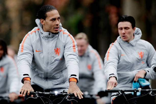 Virgil Van Dijk Of Holland During The Training Holland At The Knvb Picture Id1182107935?k=6&m=1182107935&s=&w=0&h=bpz7tmlMwlEsBHW5GDVUXjansZwFzp5L7MzEXyqNdcI=