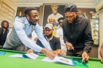 """""""Welcome To DMW..."""" Davido Signs Idowest To Record Label"""