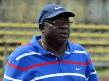 BREAKING: Nigerian coach slumps and dies after brief illness
