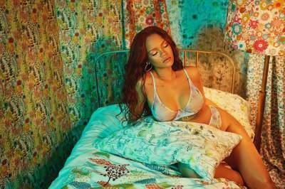 Photos: Rihanna Oozes Major Sex Appeal In Lingerie